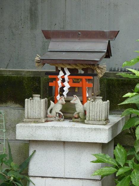稲荷社(屋敷神 台東区池之端) 2