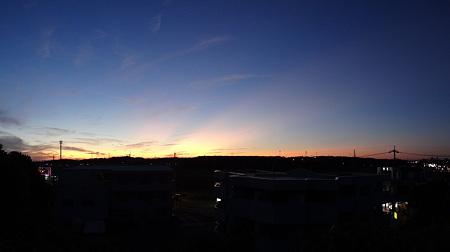 20111003 反薄明光線(後光)の夕空パロラマ