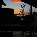 写真: 夕焼け雲と露天風呂