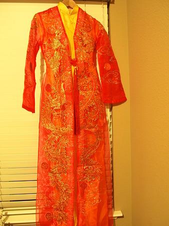 ベトナムの結婚式衣装3
