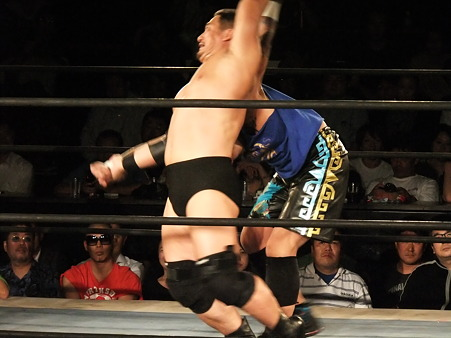 NOSAWA論外vs高木三四郎 東京愚連隊自主興行 東京LOVE2 ANOTHER CHANCE 新宿FACE 20110928 (3)