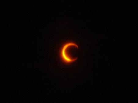 金環日食~太陽と月~