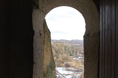 2011.01.26 トルコ カッパドキア ギョレメ野外博物館 入口から谷