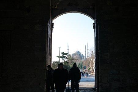 2011.01.27 トルコ イスタンブル トプカプ宮殿 帝王の門からスルタンアフメト・モスク