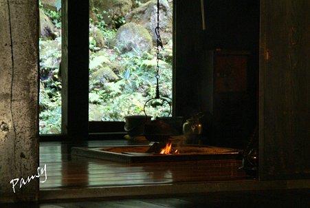 囲炉裏のある部屋・・