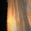 写真: 空が燃えてるみたいやった!w