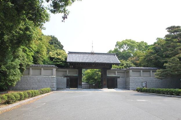 Photos: 110517-64毛利氏庭園・門