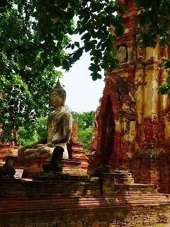森中の仏像
