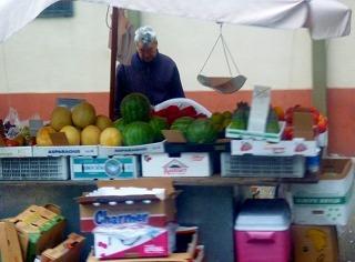 7e9f6a2fc355 27果物屋台 posted by (C)JALファン(anafan&搭乗者改め) NYにもこういう果物屋台もあるのは、ある意味新鮮でした。