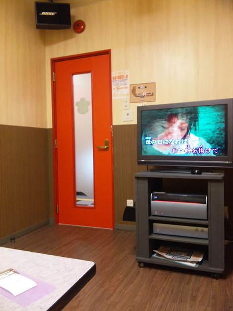 心霊写真「TVの画面から子供の生首が!!」