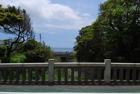 稲村ケ崎駅近く