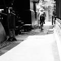 モノトーン 川越蔵造の町並み 路地裏は地元の道・・20120624