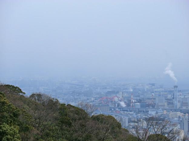 六甲山の麓は雪かな?