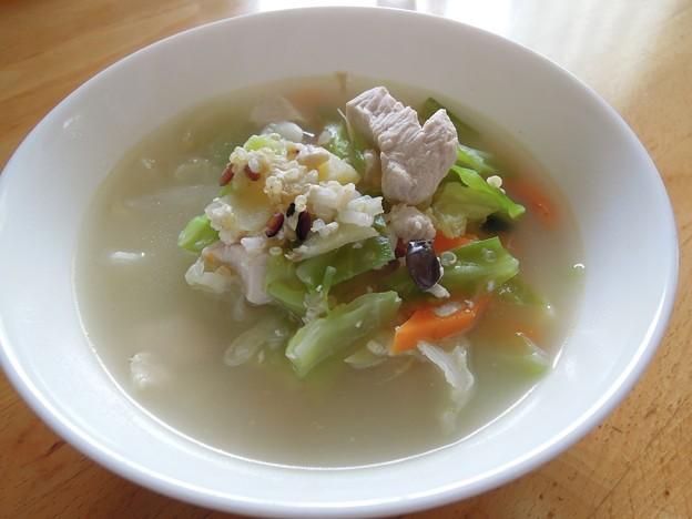 キヌアと雑穀のスープ